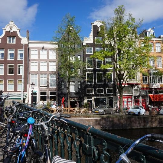 Una calle típica de Ámsterdam